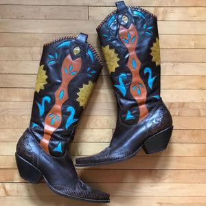 BCBGirls Shoes - BCBGirls Western Boots Sz 9